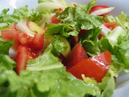 dietetyczna sałatka szpinakowa