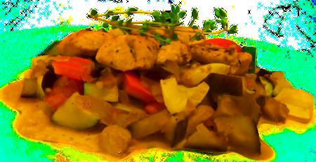 Kurczak w sosie serowym z kalarepką